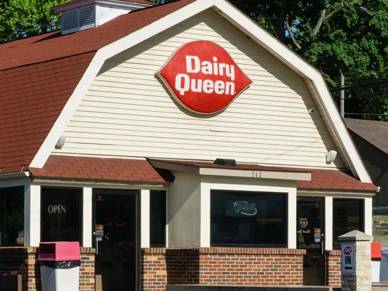 Double Trouble! Armed Robbery In Progress At Dairy Queen
